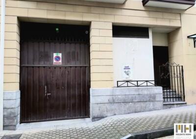 Garaje doble cerrado en venta en Irún. Moldatu Home te lo presenta. Precio 55.000 €