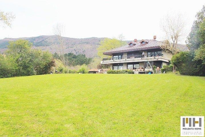 Villa en Real Club Golf de San Sebastián con piscina. Precio: 950.000 €