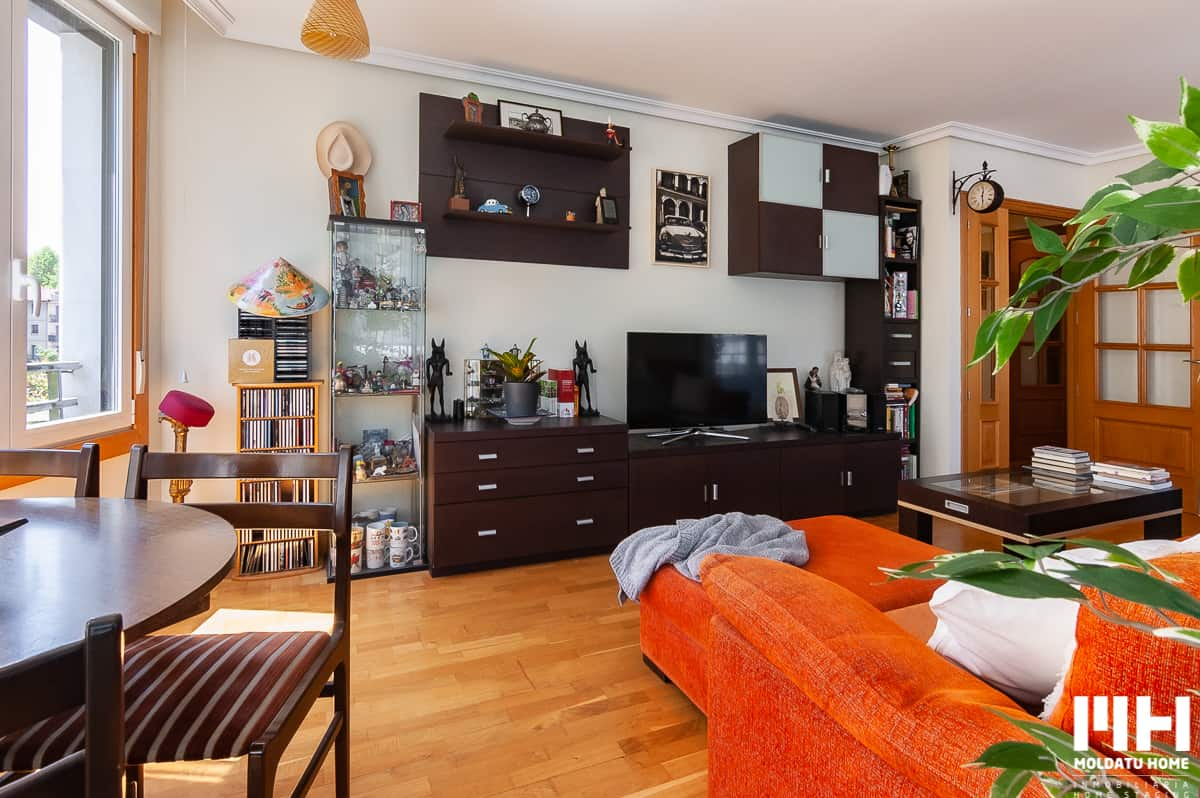 http://inmobiliaria_san_sebastian