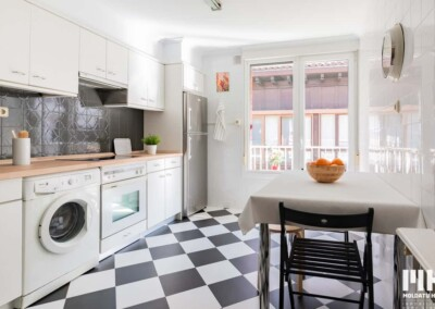 Inmobiliaria en Hondarribia de presenta vivienda en Santiago con terraza. 275.000 €. Comprar piso en Hondarribia.