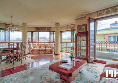 Inmobiliaria en Irún presenta dúplex en San Miguel de 180 m2. 393.000€