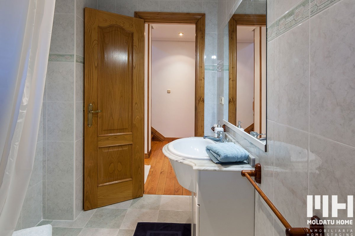 http://piso-duplex-bera-11-inmobiliaria-irun-home-staging-moldatu-home